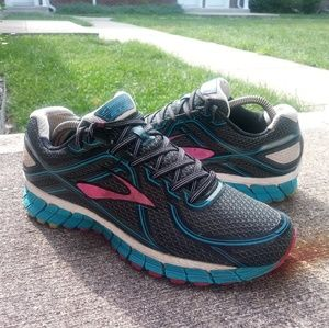 🏃Brooks GTS 16 premium running shoes🏃